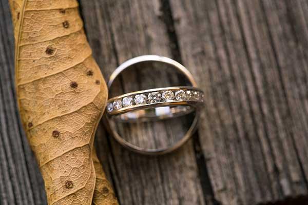 Vos alliances de mariage : les plus belles photos d'inspiration tropicale